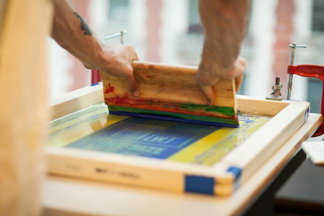 screen-printing-hand